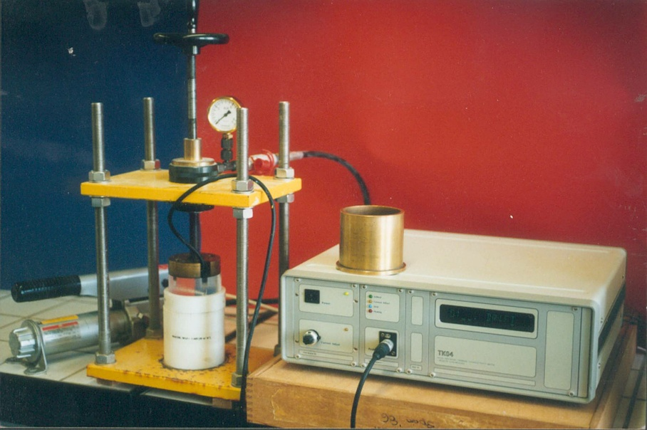 Thermal conductivity meter - Dr. U. Schärli Geology+Geophysics - Zurich